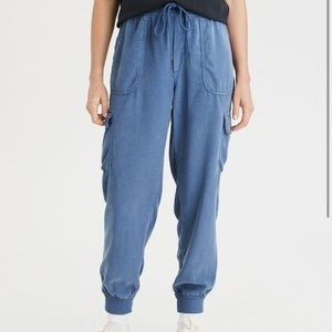 American eagle cargo pocket joggers